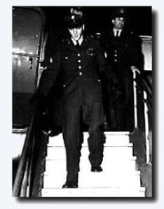 1960_march_3_elvis_presley_prestwick_airport_scotland